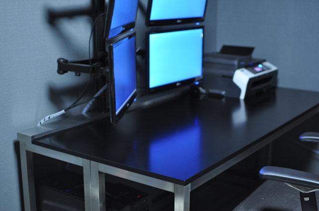 パソコンデスク マルチモニター